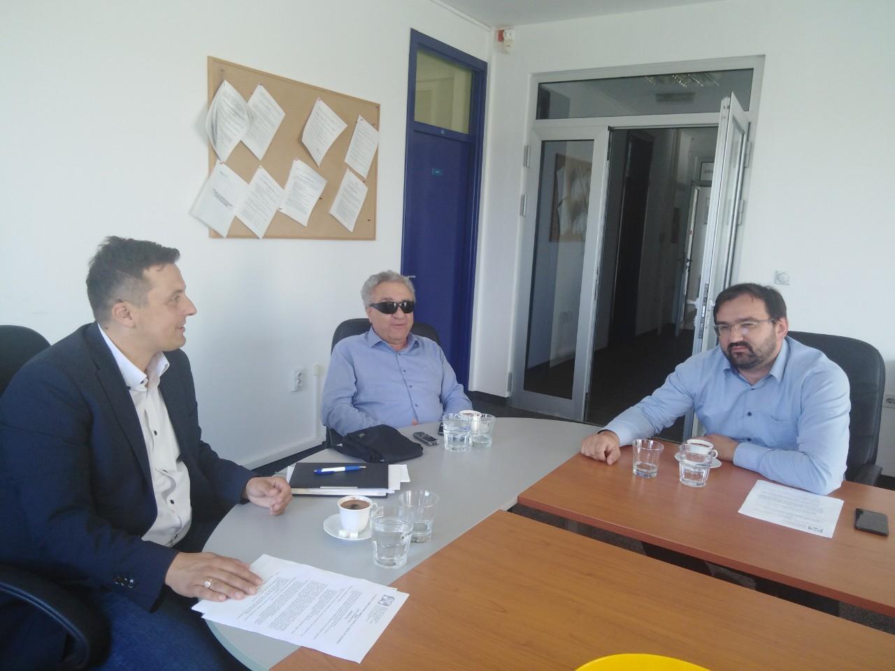 """Sastanak direktora Centra """"Budućnost"""" Derventa, Saveza slijepih RS i Specijalne biblioteke – nacrt Sporazuma o međusobnoj saradnji"""